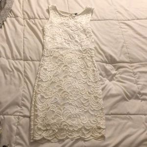White Lace Formal Fitting Dress